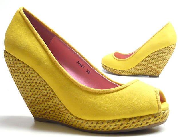 Telitalpú cipő ünnepre, hétköznapra